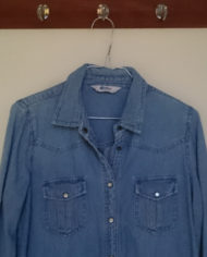 Skjorte – Denim – Perlemor – Retro – Genbrug – Trend – Mie Arida – Nærbillede