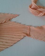 Tørklæde – Plisse – Fersken – Vintage – Genbrug – Trend – Mie Arida – 1