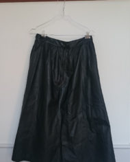Nederdel – Læder – Vidde – 80's – Retro – Genbrug – Trend – Mie Arida – Bagfra