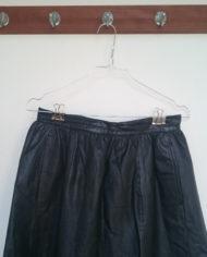 Nederdel – Læder – Vidde – 80's – Retro – Genbrug – Trend – Mie Arida – Nærbillede 2