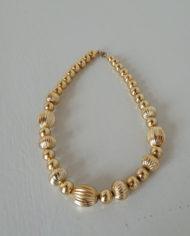 Halskæde – Plastik Perler – Guld – Retro – Vintage – Genbrug – Trend – Mie Arida – Forfra