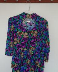 Kjole – Blomstret – Peblum – Gennemknappet – 80's – Retro – Vintage – Genbrug – Trend – Mie Arida – Nærbillede