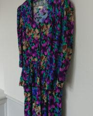 Kjole – Blomstret – Peblum – Gennemknappet – 80's – Retro – Vintage – Genbrug – Trend – Mie Arida – Siden