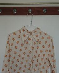 Skjorte – Flipperkrave – Blomster – Faconsyet – 70's – Retro – Vintage – Genbrug – Trend – Mie Arida – Nærbillede