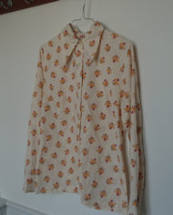 Skjorte – Flipperkrave – Blomster – Faconsyet – 70's – Retro – Vintage – Genbrug – Trend – Mie Arida – Siden