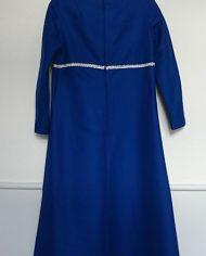 hjemmesyet-kjole-70er-kongeblaa-soelv-genbrug-trend-bagfra