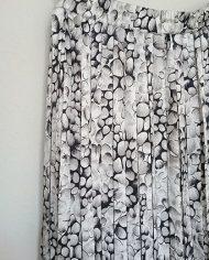 saet-skjorte-og-nederdel-pufaermer-plisse-moenster-genbrug-trend-detalje-3