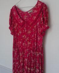 Kjole – Gennemknappet – 90'erne – Romantisk – Blomster – Retro – Genbrug – Trend – Mie Arida – Siden