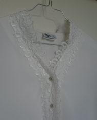 Skjorte – Korte ærmer – Blonde – Perlmors knapper – Vintage – Genbrug – Trend – Mie Arida – Nærbillede