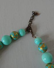 Halskæde – Turkis – Guld – Plastik – Vintage – Retro- Genbrug – Trend – Mie Arida – Bagfra