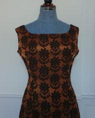 Kjole – Cocktailkjole – Skræddersyet – 60's – Brokadestof – Vintage – Genbrug – Trend – Mie Arida – Nærbillede