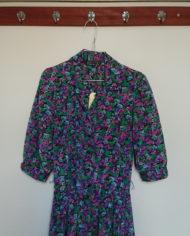 Kjole – Kittel – Blomstret – Satin – USA – Retro – Vintage – Genbrug – Trend – Mie Arida – Nærbillede