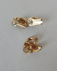 Sæt – Øreclips – Vedhæng – Guld – Vintage – Genbrug – Trend – Mie Arida – Bagfra