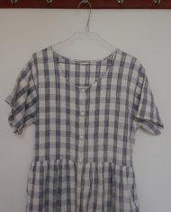 Kjole – Gennemknappet – 90s – Bomuld – Blå – Hvid – Tren – Retro – Vintage – Genbrug – Trend – Mie Arida – Nærbillede